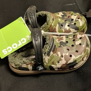 New with tags Fleece lined Camo Crocs size  C11